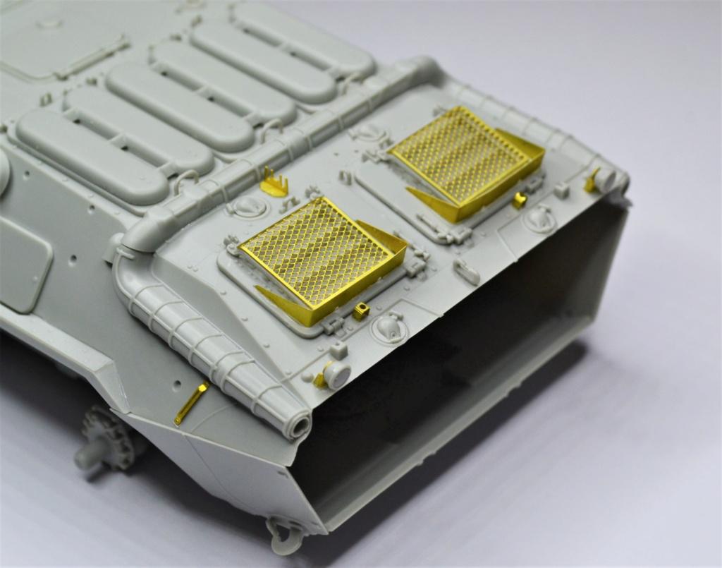 BTR 70 1/35 TRUMPETER . Dsc_0264