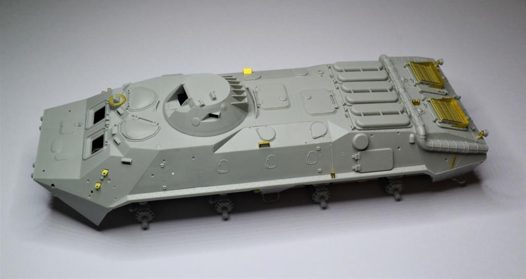 BTR 70 1/35 TRUMPETER . Dsc_0265