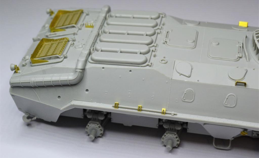 BTR 70 1/35 TRUMPETER . Dsc_0266