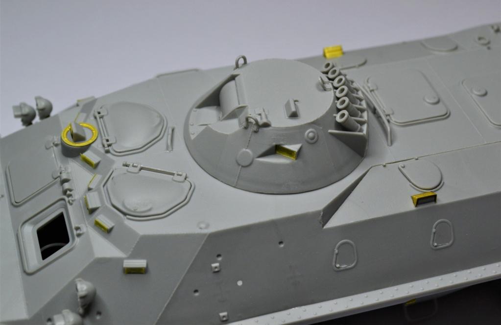 BTR 70 1/35 TRUMPETER . Dsc_0269