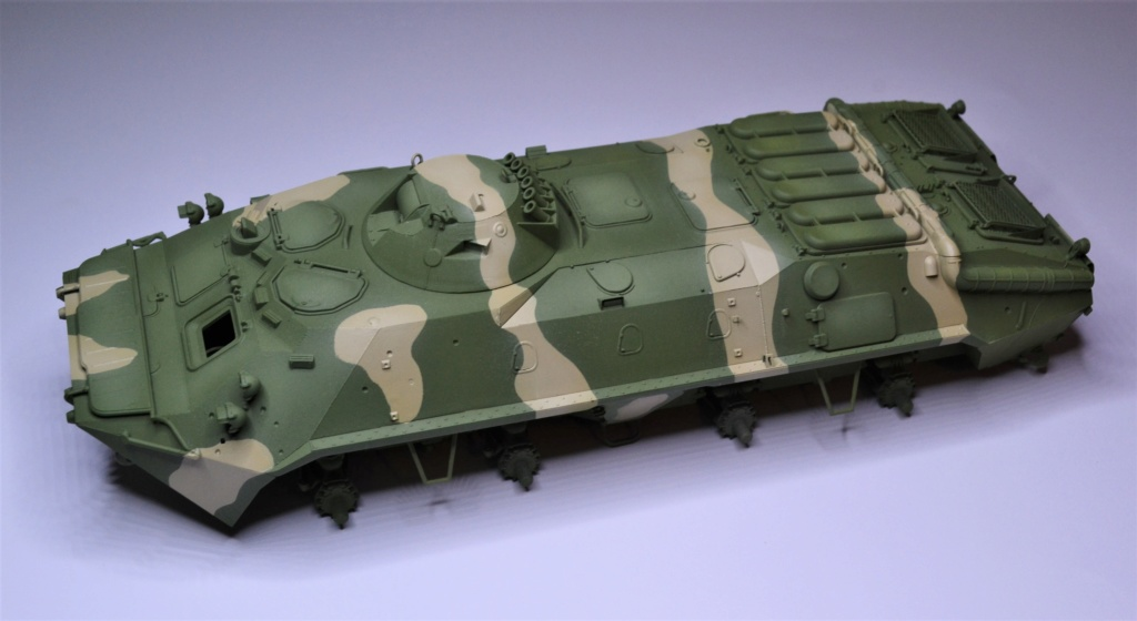 BTR 70 1/35 TRUMPETER . Dsc_0271
