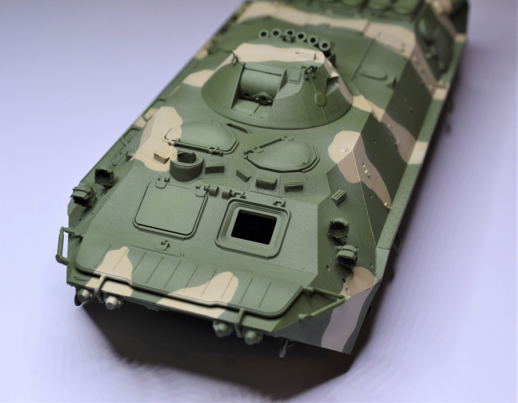 BTR 70 1/35 TRUMPETER . Dsc_0272