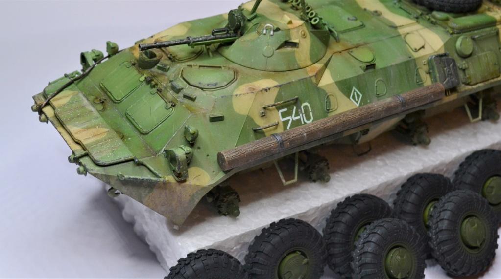 BTR 70 1/35 TRUMPETER . Dsc_0366