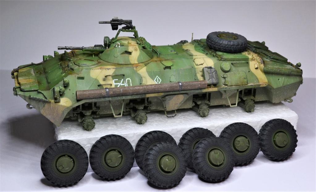 BTR 70 1/35 TRUMPETER . Dsc_0367