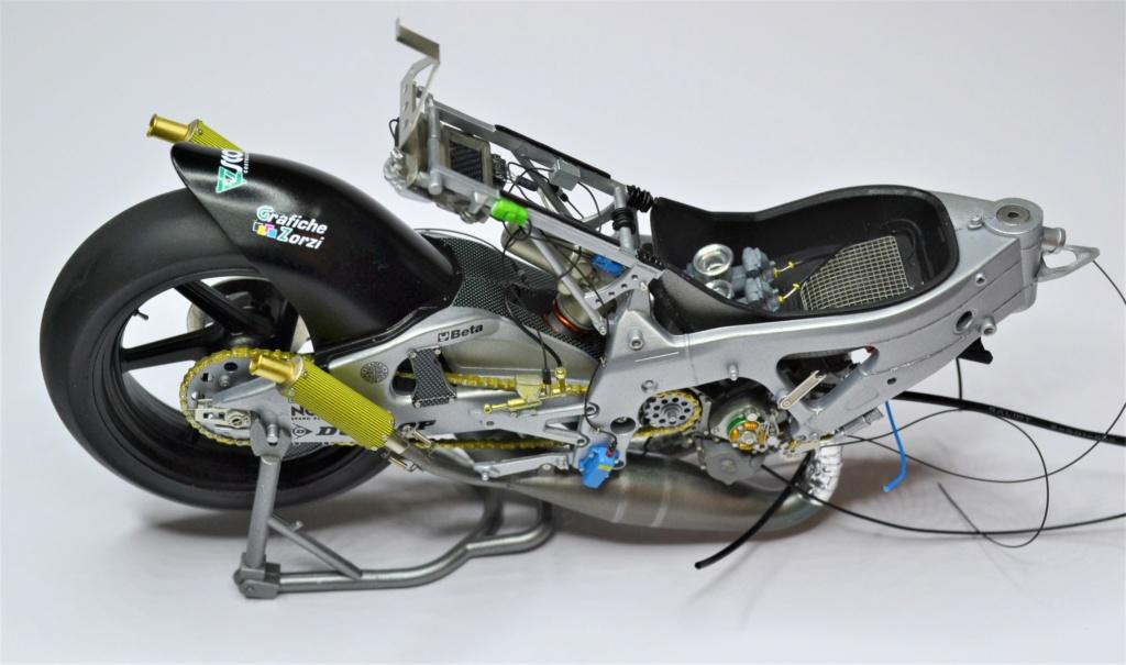 Honda RS 250 RW 1/12 Hasegawa.+ details set de Top Studio . Dsc_0494