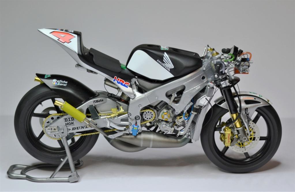 Honda RS 250 RW 1/12 Hasegawa.+ details set de Top Studio . Dsc_0522
