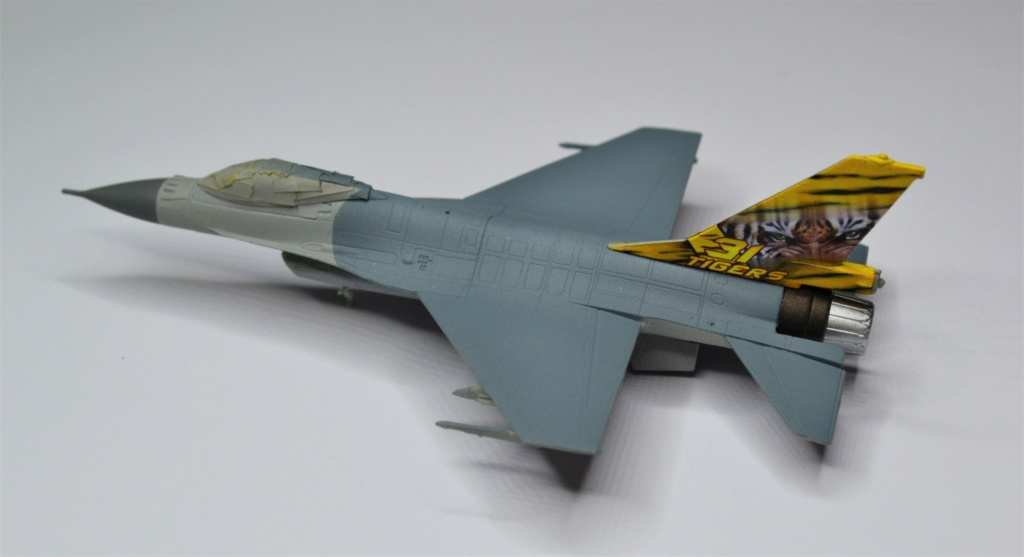 Duo de F16 MLU 1/144 Revell. Gkhjhj10