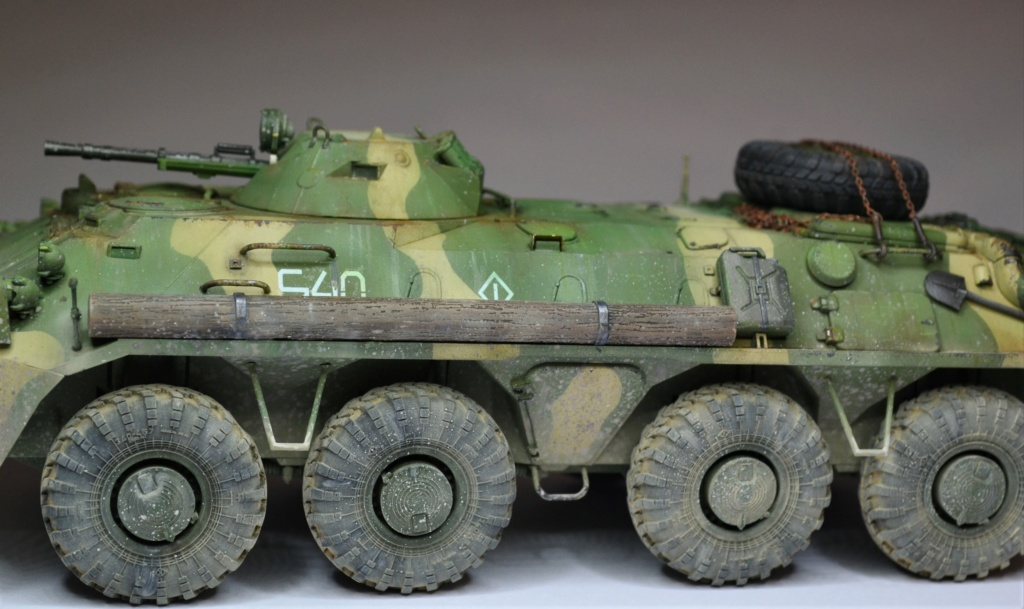 BTR 70 1/35 TRUMPETER . - Page 2 Hhg10
