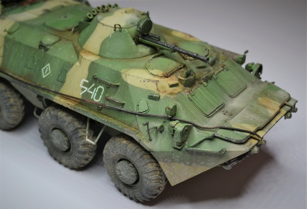 BTR 70 1/35 TRUMPETER . - Page 2 Tyjyjy10