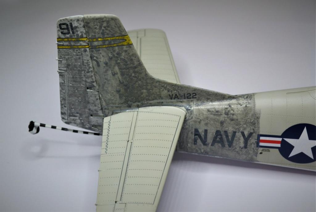 Trojant 28c Kitty Hawk 1/32 - Page 2 Ujj10
