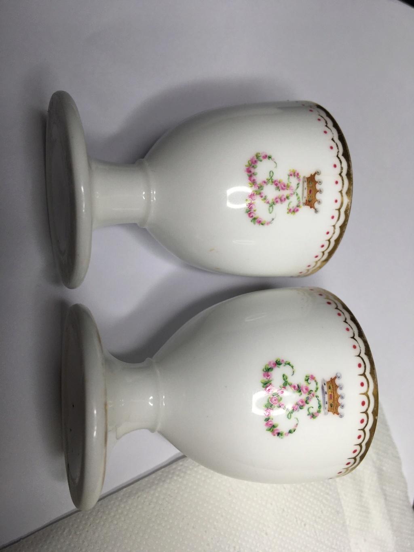 Armorial porcelain egg cups? 705bd910