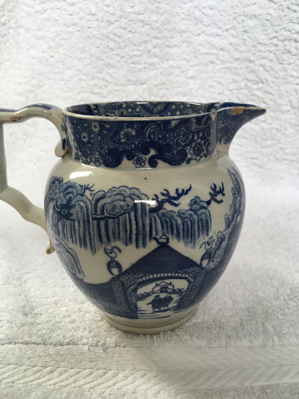 Early (?) pieces of blue & white transfer-printed earthenware..... 77cad110