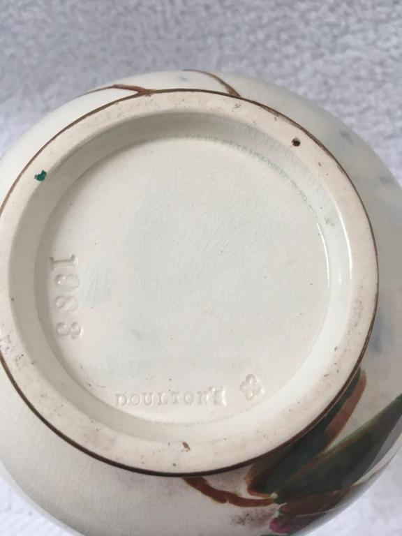 Doulton vase. 19thC (Burslem). 9801a610