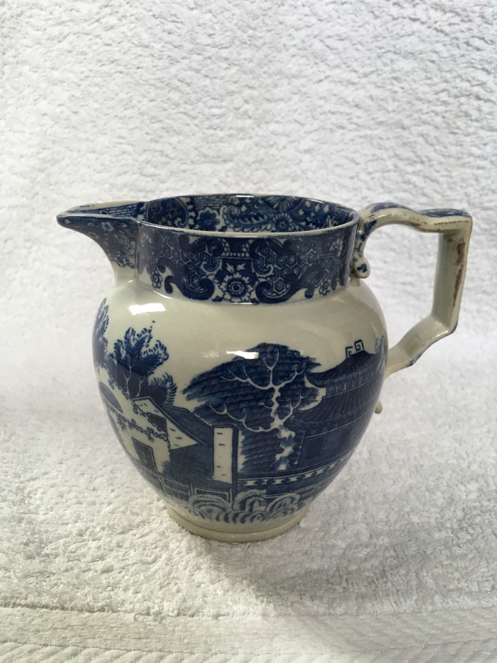 Early (?) pieces of blue & white transfer-printed earthenware..... Ecaed910