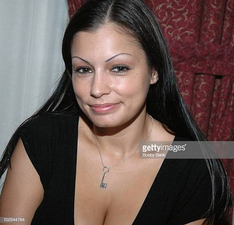 Scammer with photos of  Aria Giovanni  12310