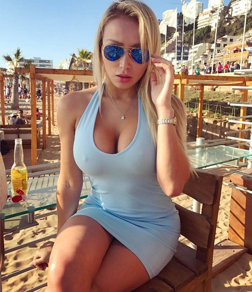 SCAMMER WITH PHOTOS OF DANIELLA CHAVEZ 1237