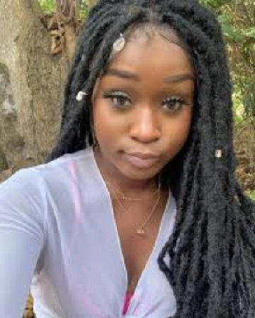 Scammer With Photos Of Efia Odo 1a509