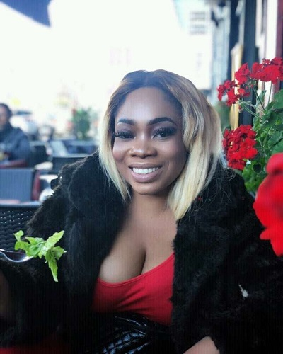 SCAMMER WITH PHOTOS OF MOESHA BUDUONG 1e26