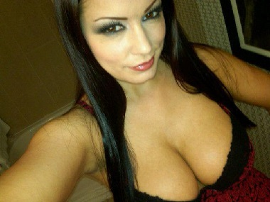 Scammer with photos of  Aria Giovanni  1o34