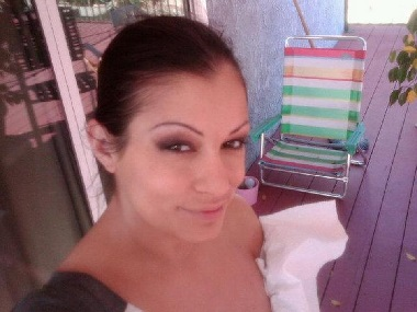 Scammer with photos of  Aria Giovanni  1z30