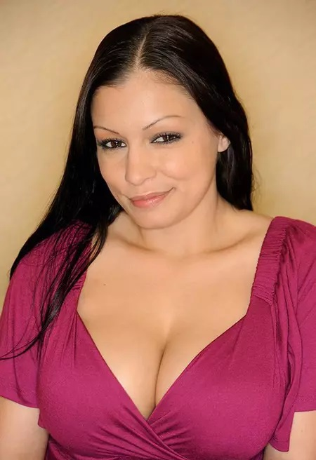 Scammer with photos of  Aria Giovanni  34222