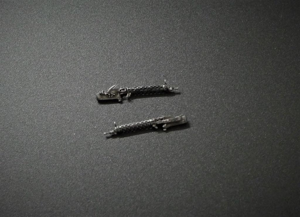 Peinture des armes de bord L1080933