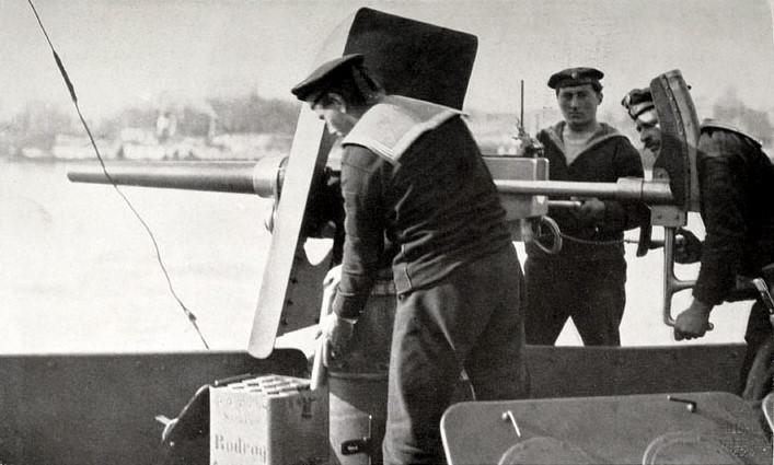 SMS Monarch cuirassé austro-hongrois au 1/65e sur plan - Page 7 3662c710