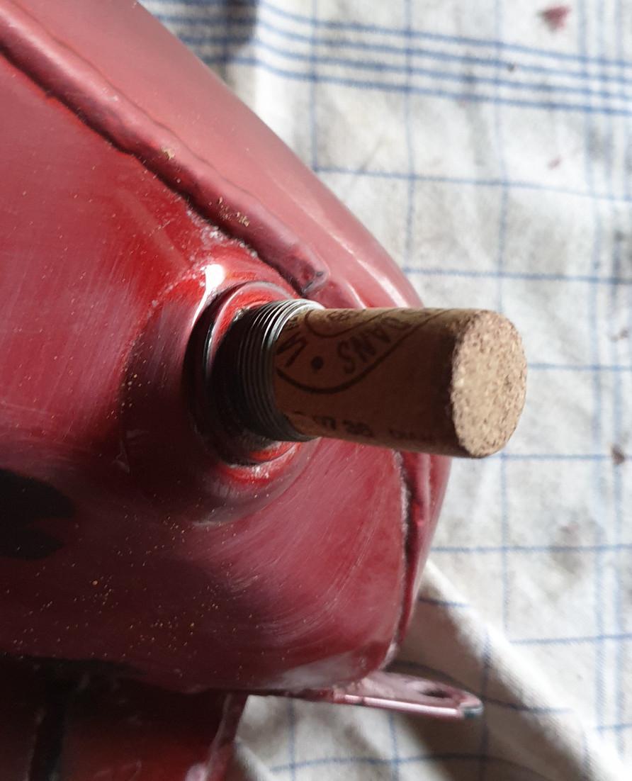 1ère chute et bosse sur réservoir - Page 3 Captur28