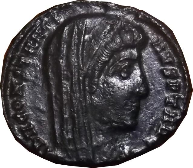 Est il possible d'identifier l'atelier de ce Divo de Constantin I ( Constantinople ) Consta17