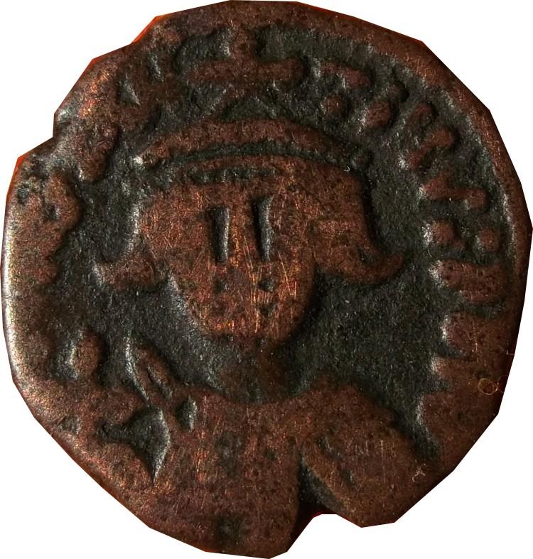 Identification Monnaie Byzantine ? mais de qui ? TIBÈRE ? Tibere13