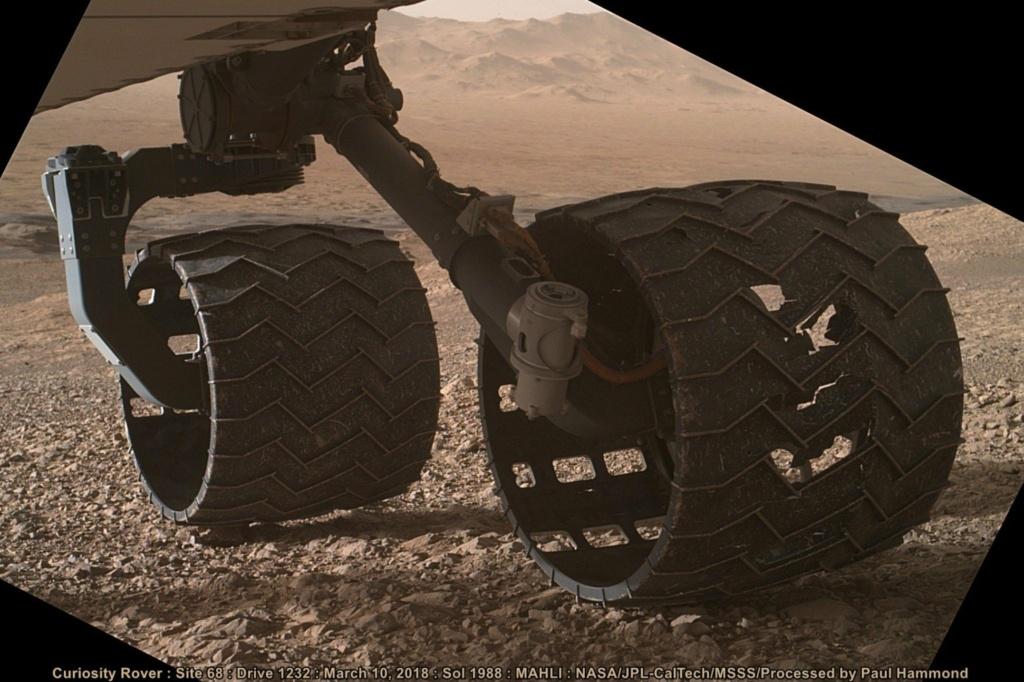 Dans un peu plus de 4 heures, un hélico sans pilote sera... Curios12