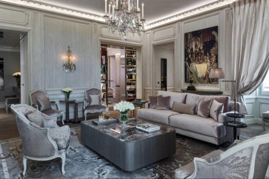 L'hôtel de Crillon et son Salon Marie-Antoinette 14499911