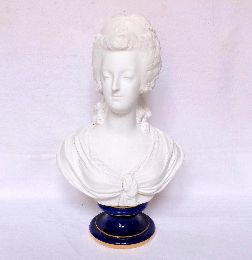 A vendre: bustes Marie Antoinette - Page 10 45673610