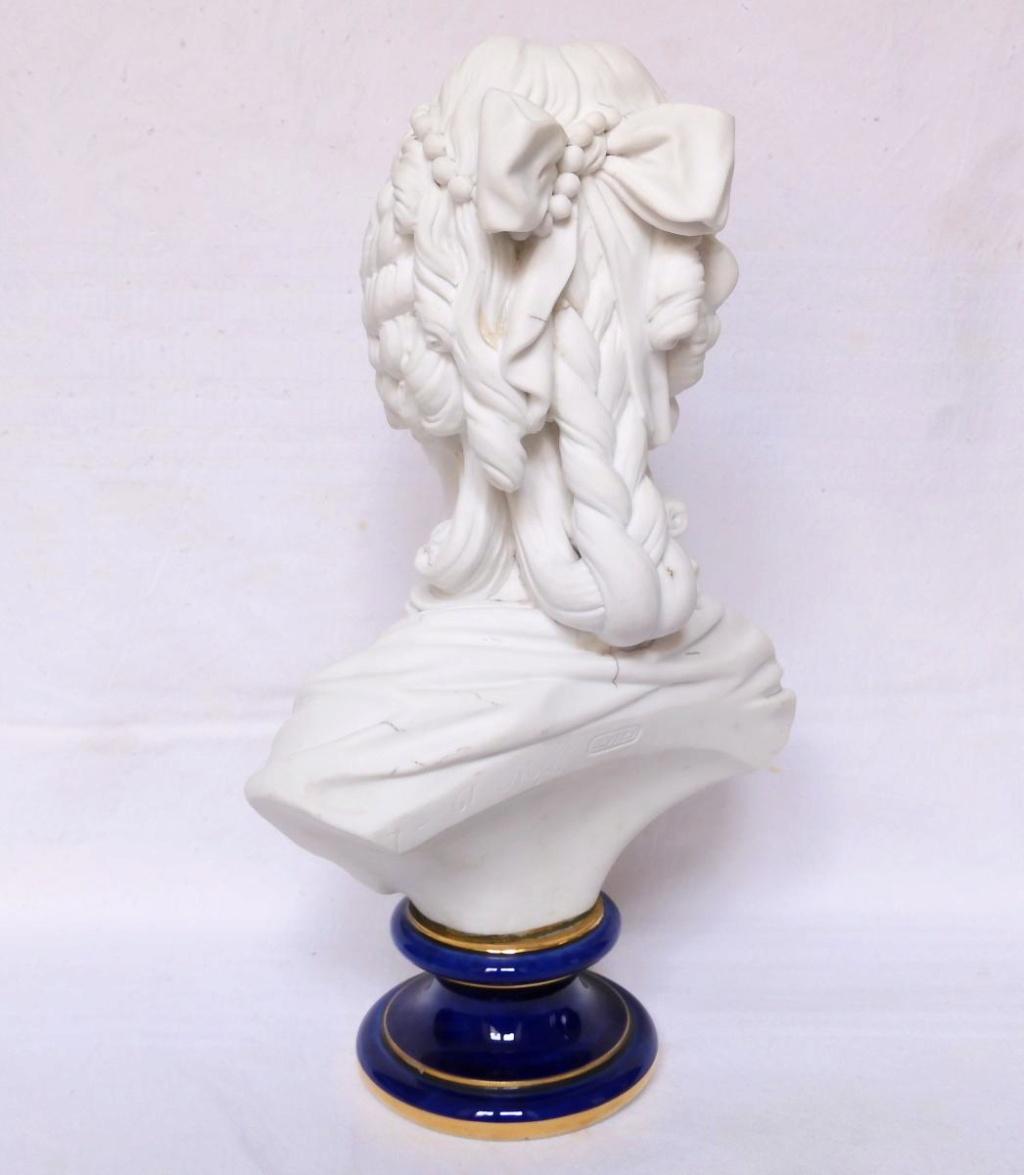 A vendre: bustes Marie Antoinette - Page 10 45673613