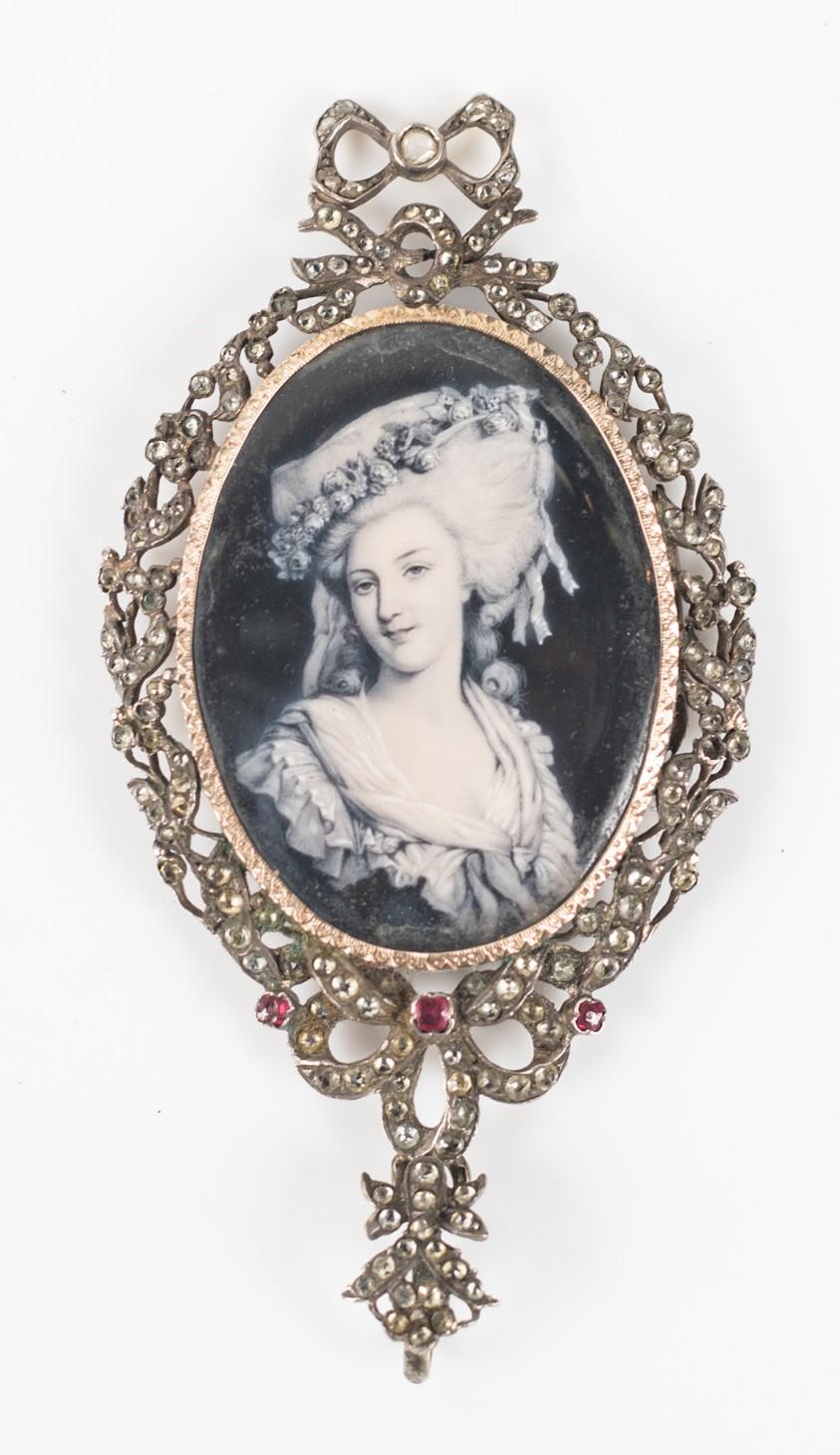 A vendre: miniatures de Marie Antoinette et de ses proches - Page 14 Zzantb13