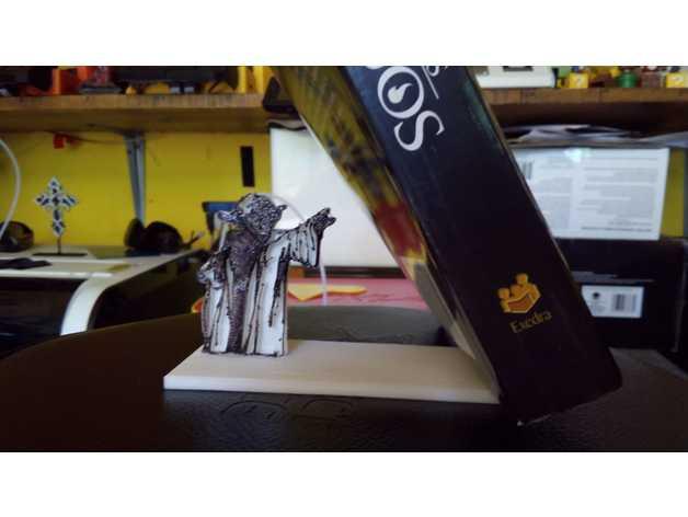 用3D 打印做出使用原力支撐書本的架子  Faa1f310