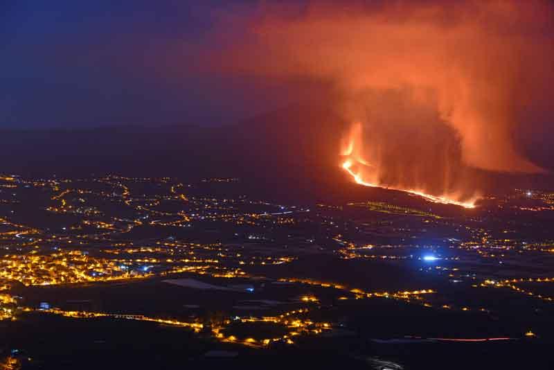 Chiuso l'aeroporto di La Palma per eruzione  049f4b10