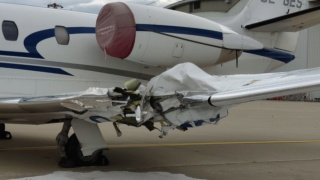 Incidente a MXP tra Cessna e rampa  793c0710