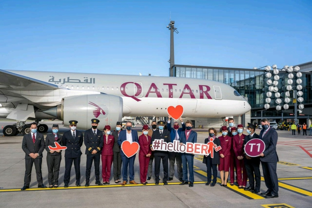 Qatar Airways water cannon a BER  88ab9410