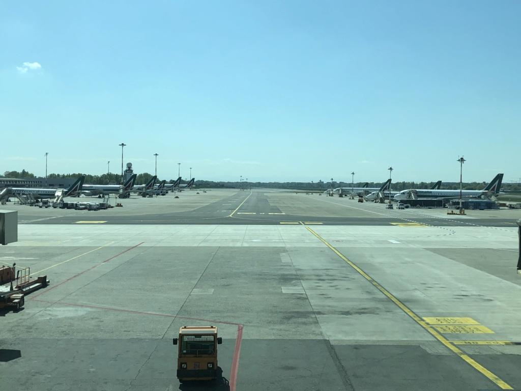 Alitalia, scontro con la EU - Pagina 4 B2814310