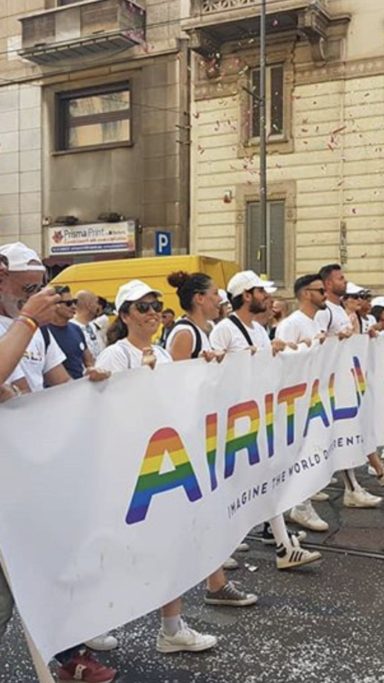 Airitaly sponsor del Milano Pride Bb489410