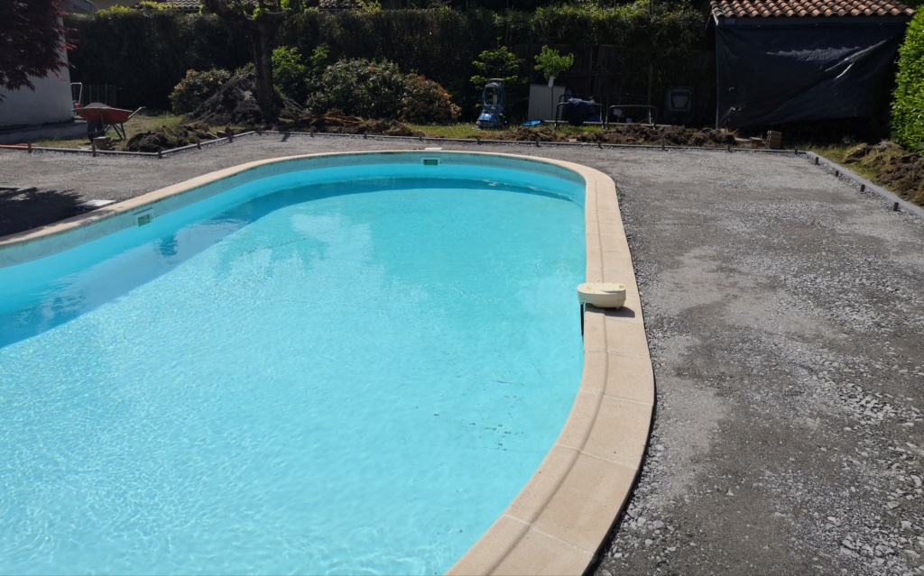 HELP ! Localisation du transfomateur du spot piscine Img_2012