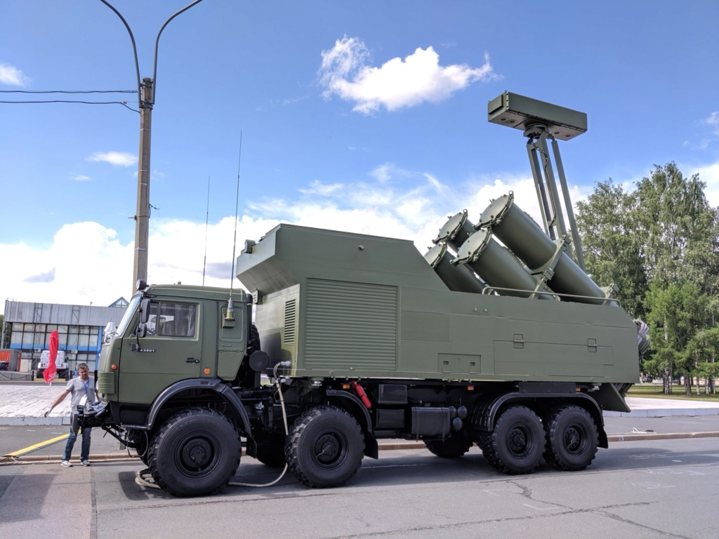 نظام الدفاع الساحلي Bal و الرادر Monolith علي مركبات KamAZ الجديدة  Img_ee12