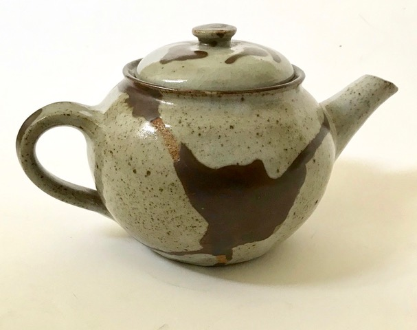 Mystery Stoneware Teapot, IM or JM mark? Iain Markham?  Img_3519