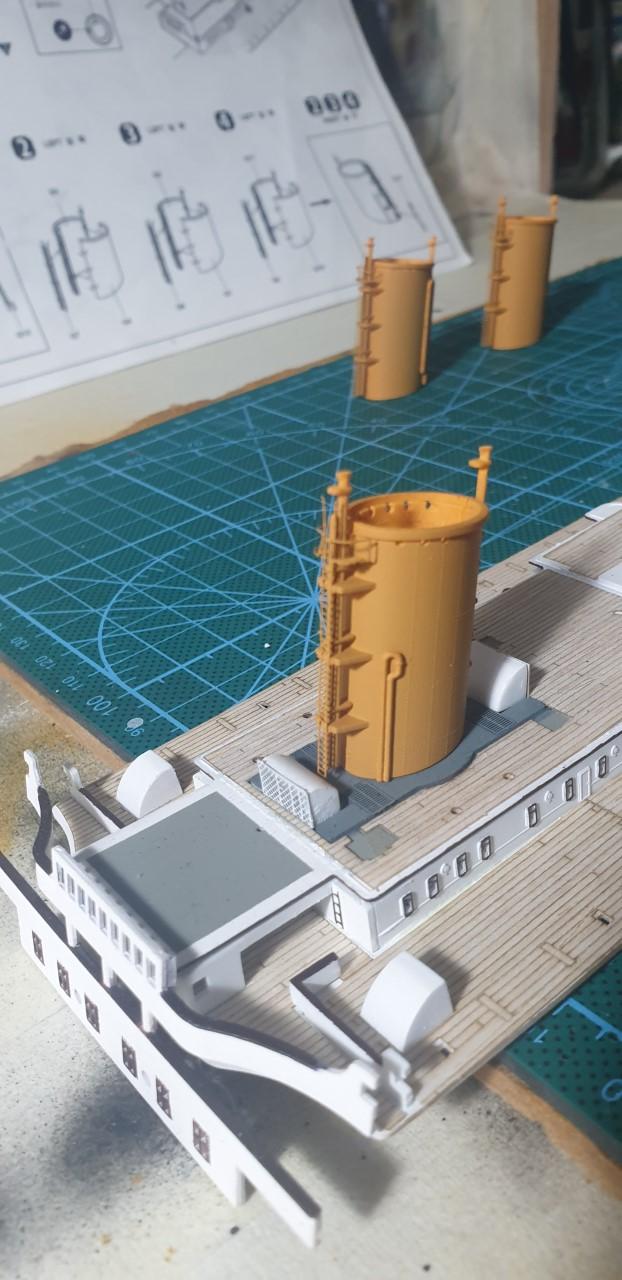 Academy Titanic 1:400 - Pagina 3 Fumaio11