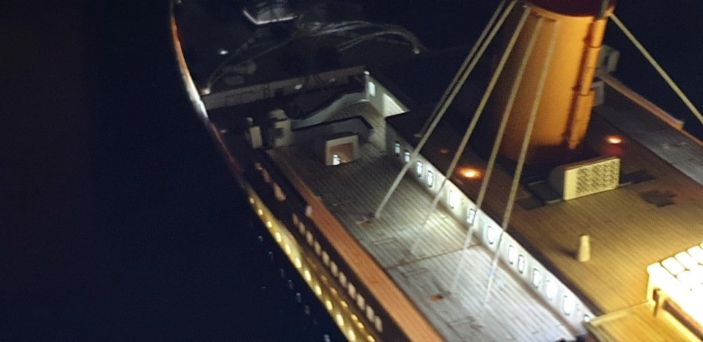 Academy Titanic 1:400 - Pagina 3 Luci310