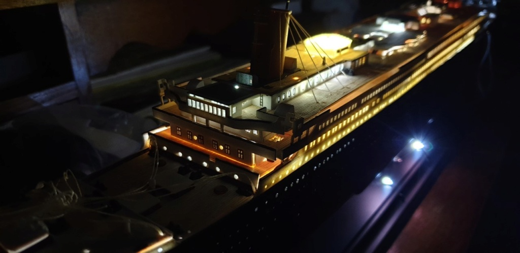 Academy Titanic 1:400 - Pagina 3 Luci510