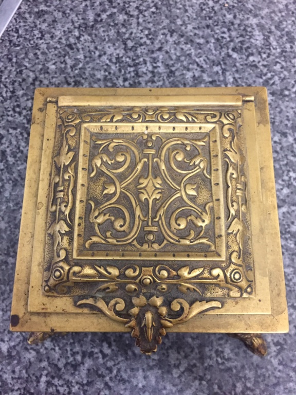 Brass box for ID ! 30b07610