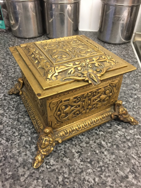 Brass box for ID ! Bf7b4710