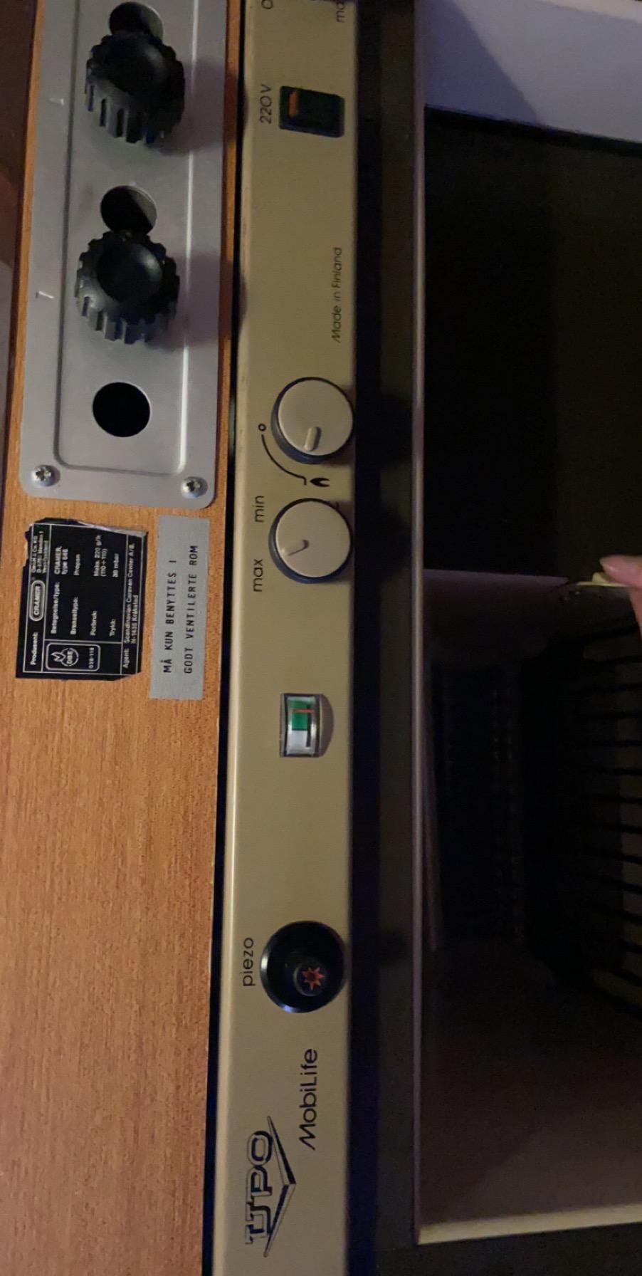 Kjøleskap på elektrisitet 2020-010